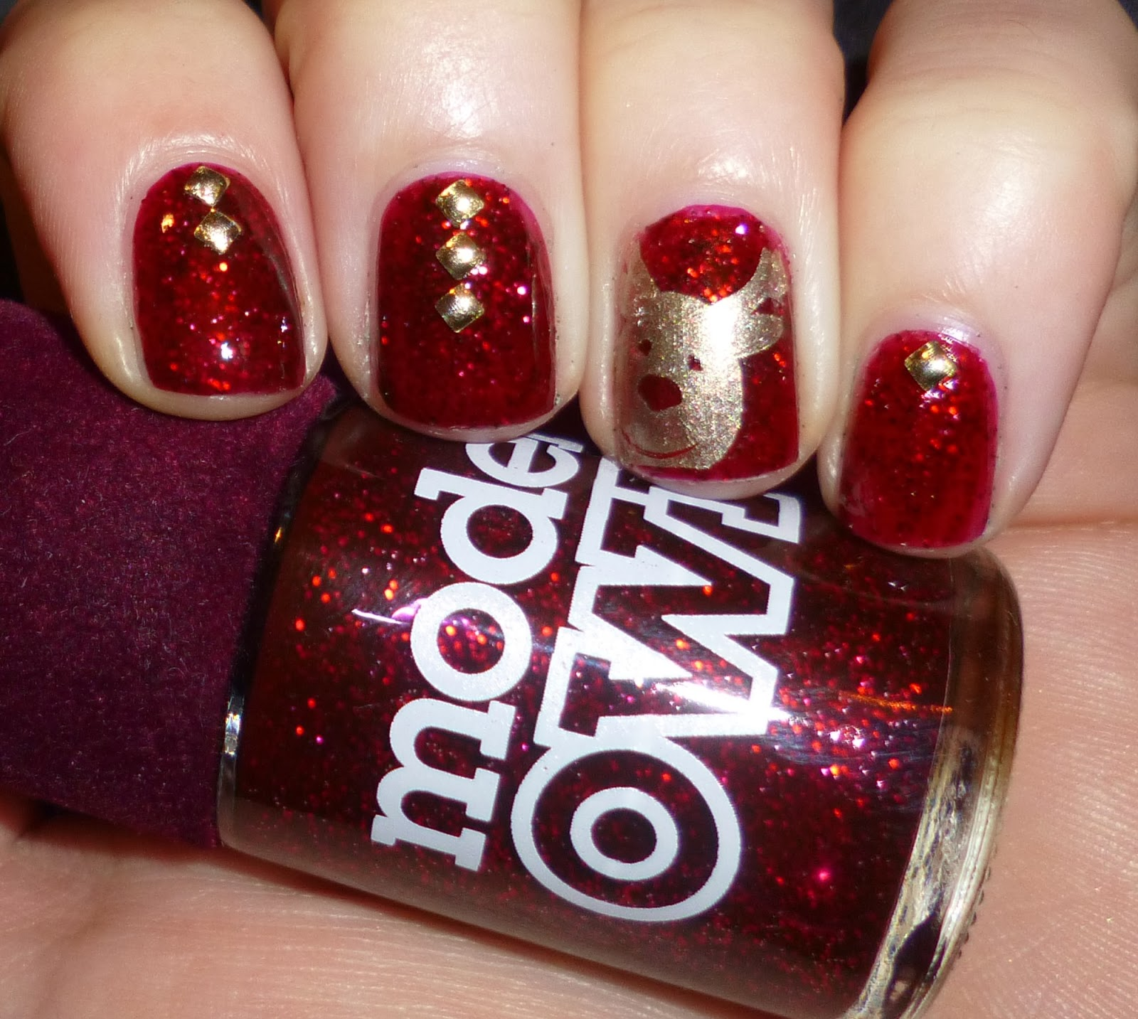 Lou is Perfectly Polished: Christmas Nails: Rudolph