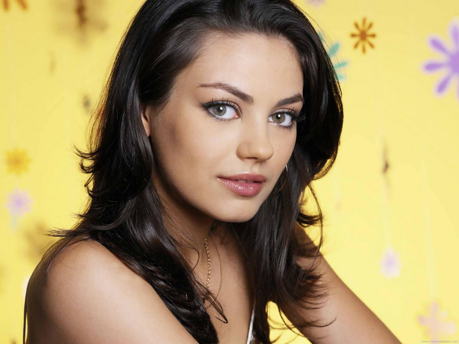 in his shade actress mila kunis hd wallpapers