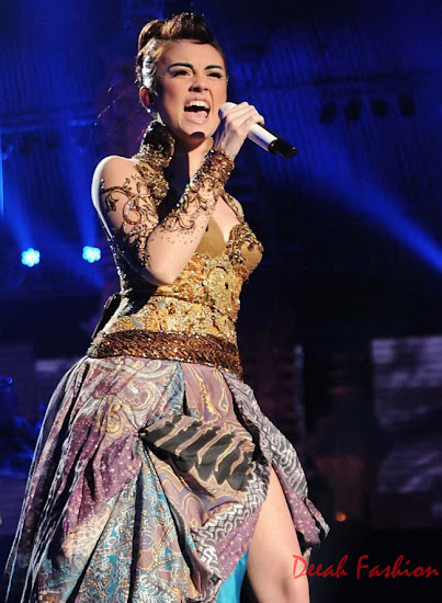 Agnes Monica Berkebaya | Malam Grand Final Indonesian Idol 2012