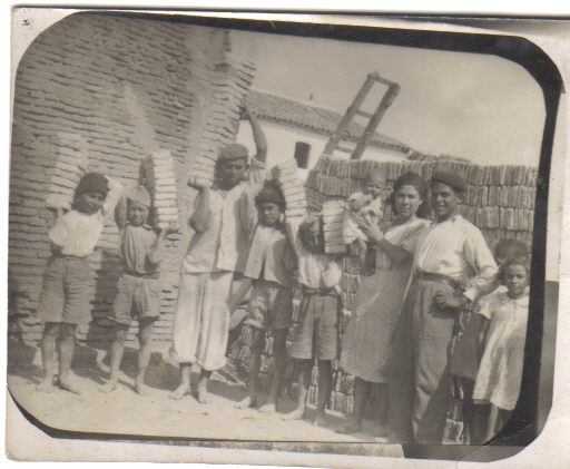 Patrimoniocoria ladrilleros de mi barrio - Ladrillo coriano ...