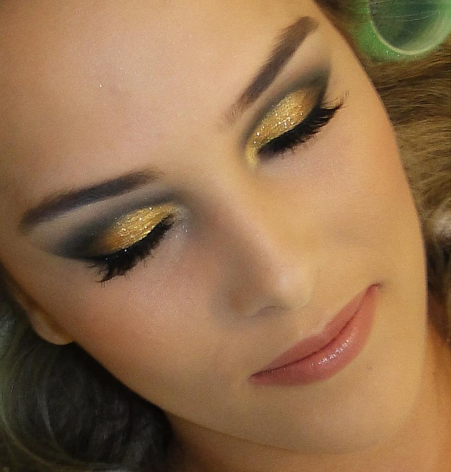 maquiagem-para-noite-dourada-13.jpg