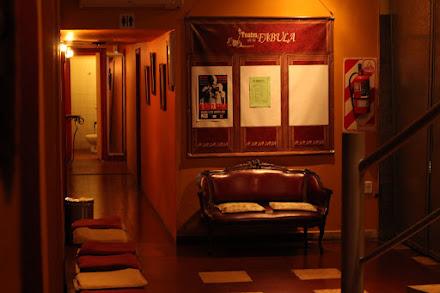 Visita la sala y el teatro por dentro....
