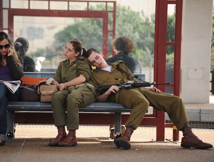 koide9enisrael tsahal a ordonn aux soldats de ne plus dormir dans les bus. Black Bedroom Furniture Sets. Home Design Ideas