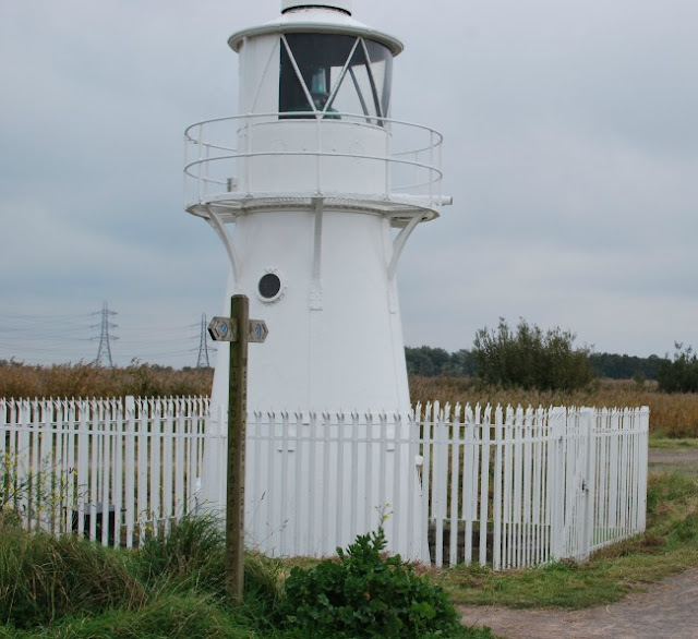 Picture of white lighthouse