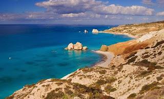 Spiaggia di Petra Tou Romiu e lo scoglio di Afrodite - Pafos