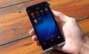 BlackBerry A10 video leak wearing AT and T logo