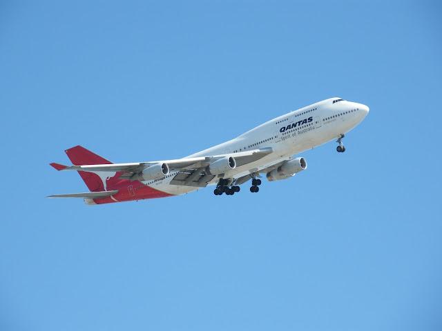 Qantas Spirit of Australia aircraft.  Fly past at Australian Grand Prix 2008