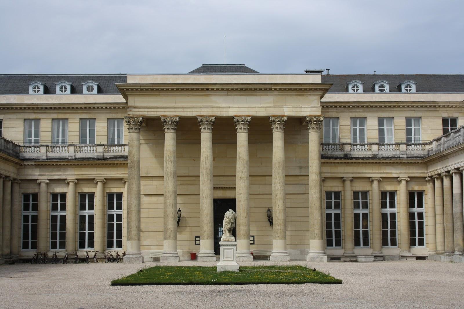 Les ch teaux royaux seigneuriaux et les villes royales for Chateau yveline