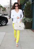 Eva Longoria brigth yellow pants