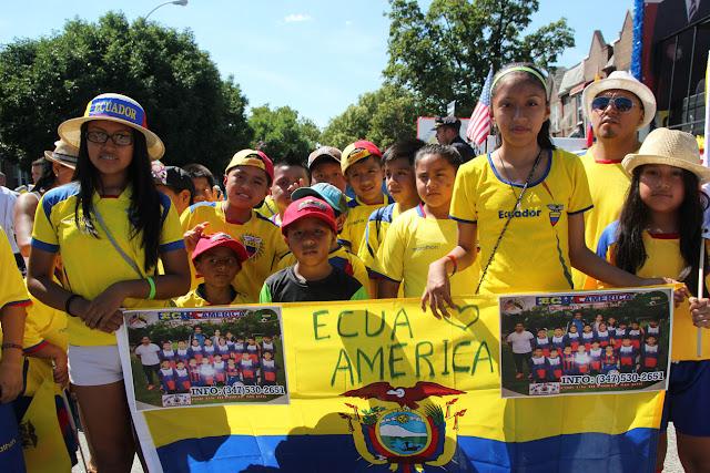 imagenes del desfile ecuatoriano de Queens New York - grupo de soquel de ninos ecuatoriano