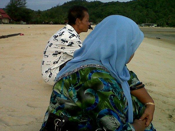 mak and ayah aku~