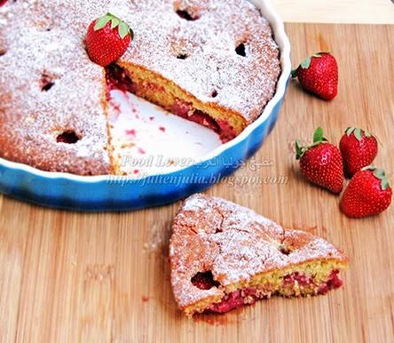Strawberry Buttermilk Cake كيك اللبن الرائب بالفراولة