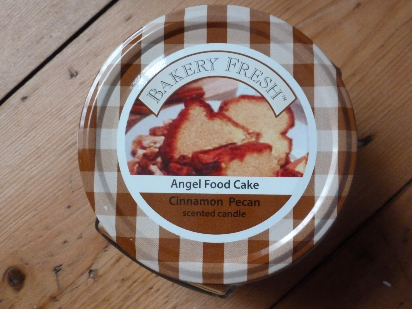 bakery fresh angel food cake cinnamon pecan scented candle