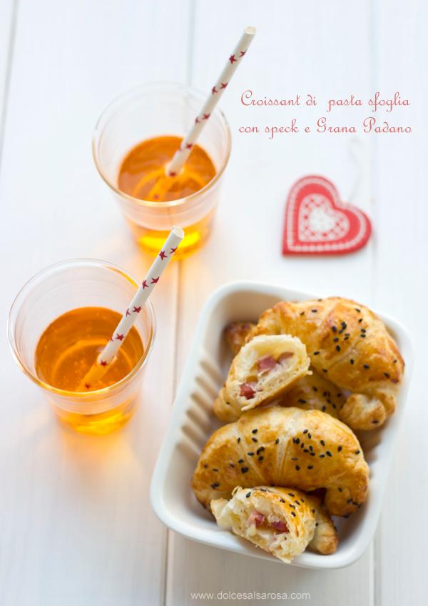 croissant di pasta sfoglia con speck e grana padano