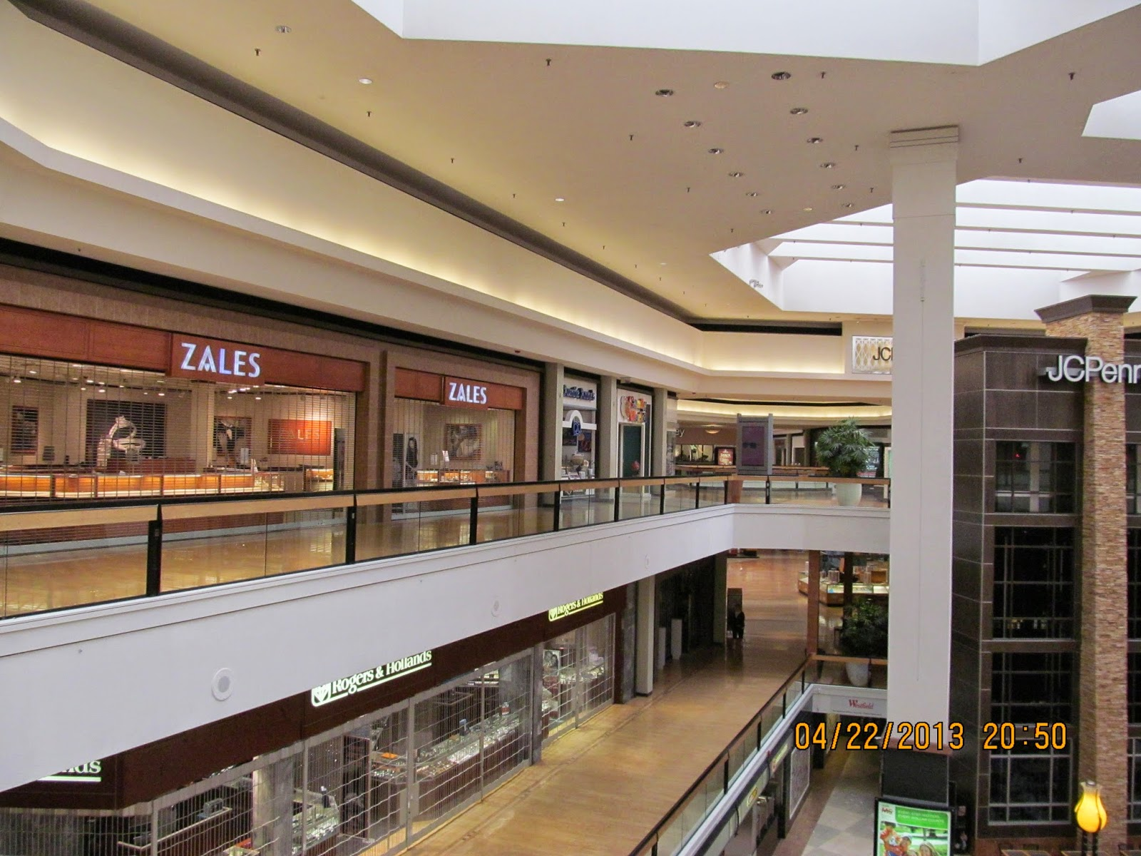 Fox Valley Mall is a staple in our local community. In Chicagoland there are no shortage of retail options but this mall is always a reliable source for the latest in fashion!6/10(25).