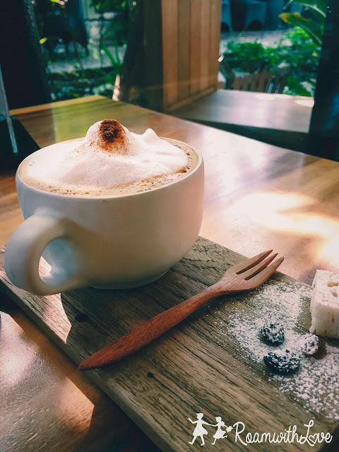review,cafe,Iwane,pancake,สลัด,Cappucino,กาแฟ