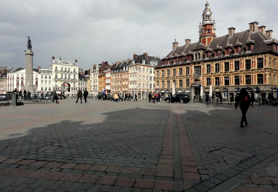 postcards from lille rijsel france travel and lifestyle diaries career woman travelling. Black Bedroom Furniture Sets. Home Design Ideas