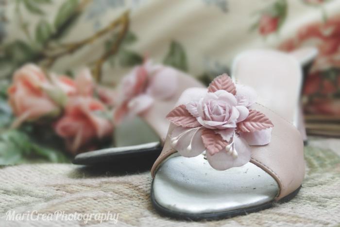 sandali-rosa-con-fiore-applicato
