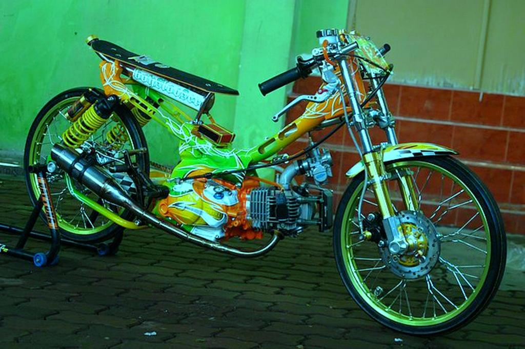 MOTOR DRAG: MACAMMACAM MOTOR DRAG