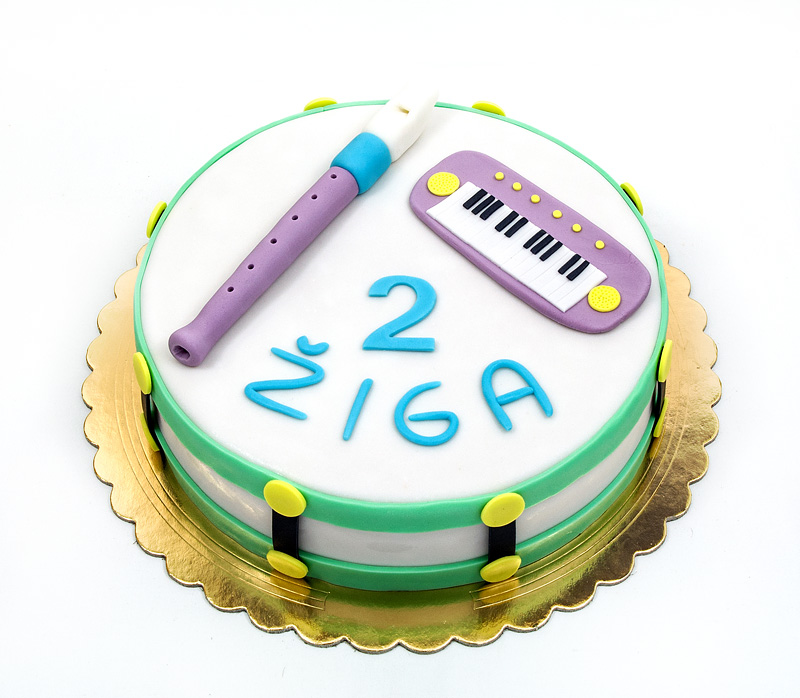 Music instruments fondant cake front