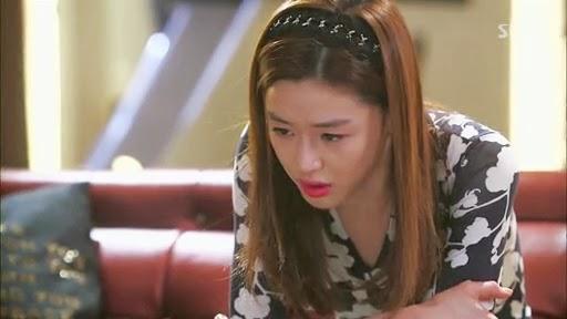 yi bertanya siapa di luar,ternyata yang di luar adalah min joon, song