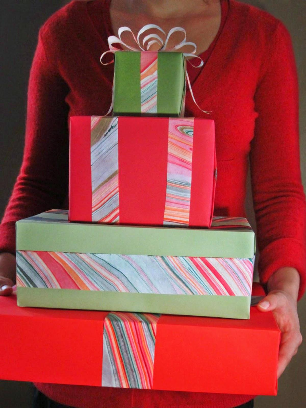 Красиво упаковать подарок фото
