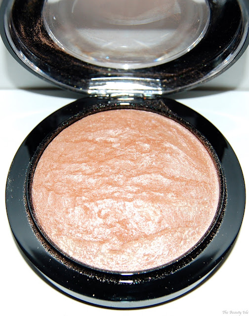 MAC Mineralize Skin Finish in Soft & Gentle