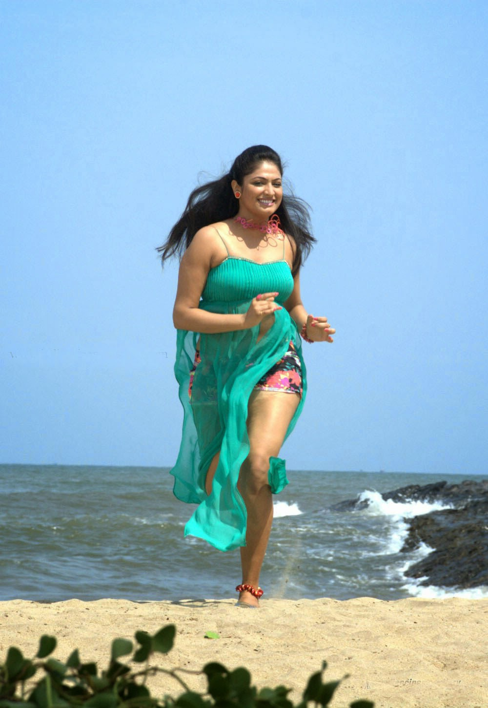 south sexy haripriya hot thighs show stills in beach - actress-now