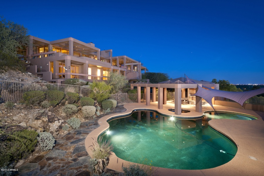 Amazing desert house in paradise valley arizona for Amazing big houses