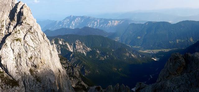 Panorama verso Kranjska Gora salendo al Razor
