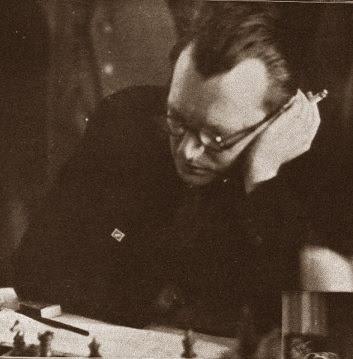 Alekhine en la III Olimpiada de Ajedrez de 1930