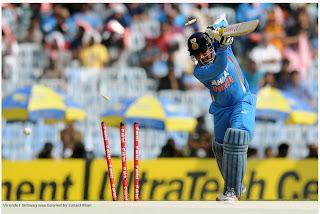 Virender-Sehwag-bowled-Junaid-Khan-India-v-Pakistan-1st-ODI-2012