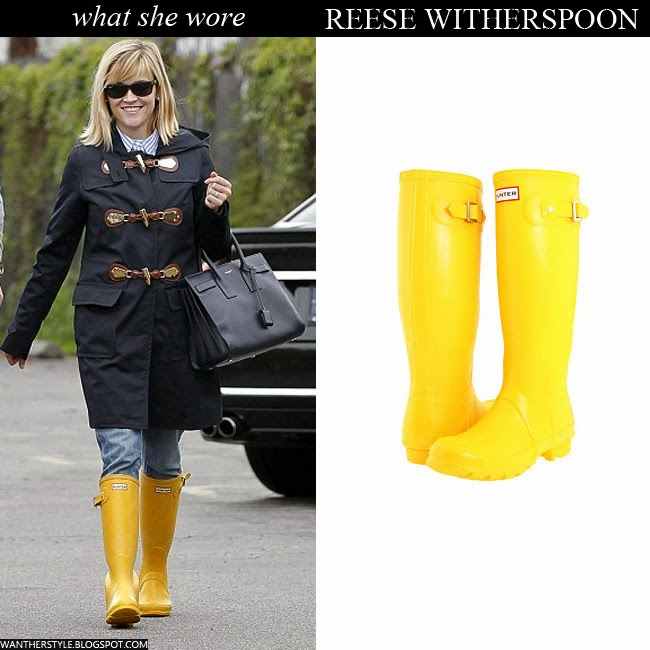 Reese Witherspoon in yellow rubber rain Hunter boots Want Her Style Celebrity Streetstyle