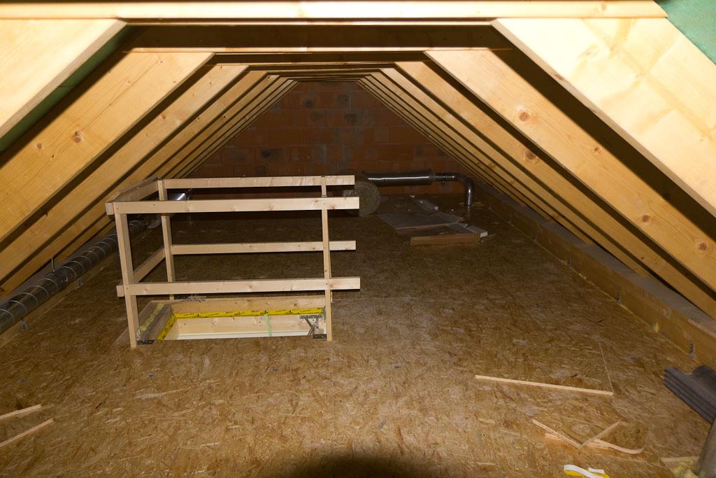 sandra und alexander bauen ein haus 22 tage spitzboden trockenbau fliesen. Black Bedroom Furniture Sets. Home Design Ideas