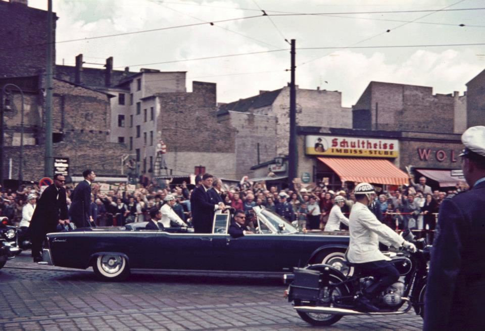 AGENTS ON REAR OF LIMO JUNE 1963