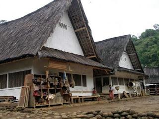 Wisata Adat Kampung Naga
