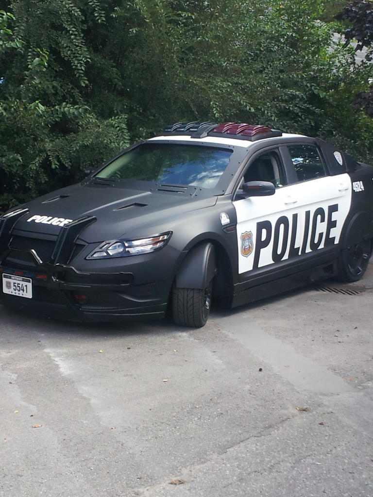 Vehiculo de la policia de Detroit que veremos en Robocop 2013