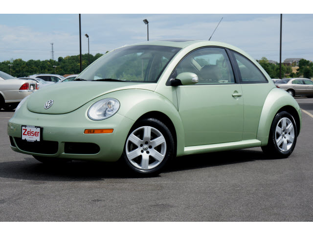cars cool week used volkswagen new beetle. Black Bedroom Furniture Sets. Home Design Ideas