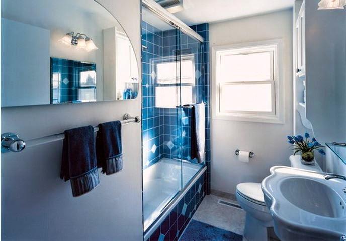 Baignoire petite taille idee salle de bains for Baignoire petite taille