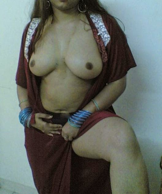 sexy wife removes saree juicy tits images   nudesibhabhi.com