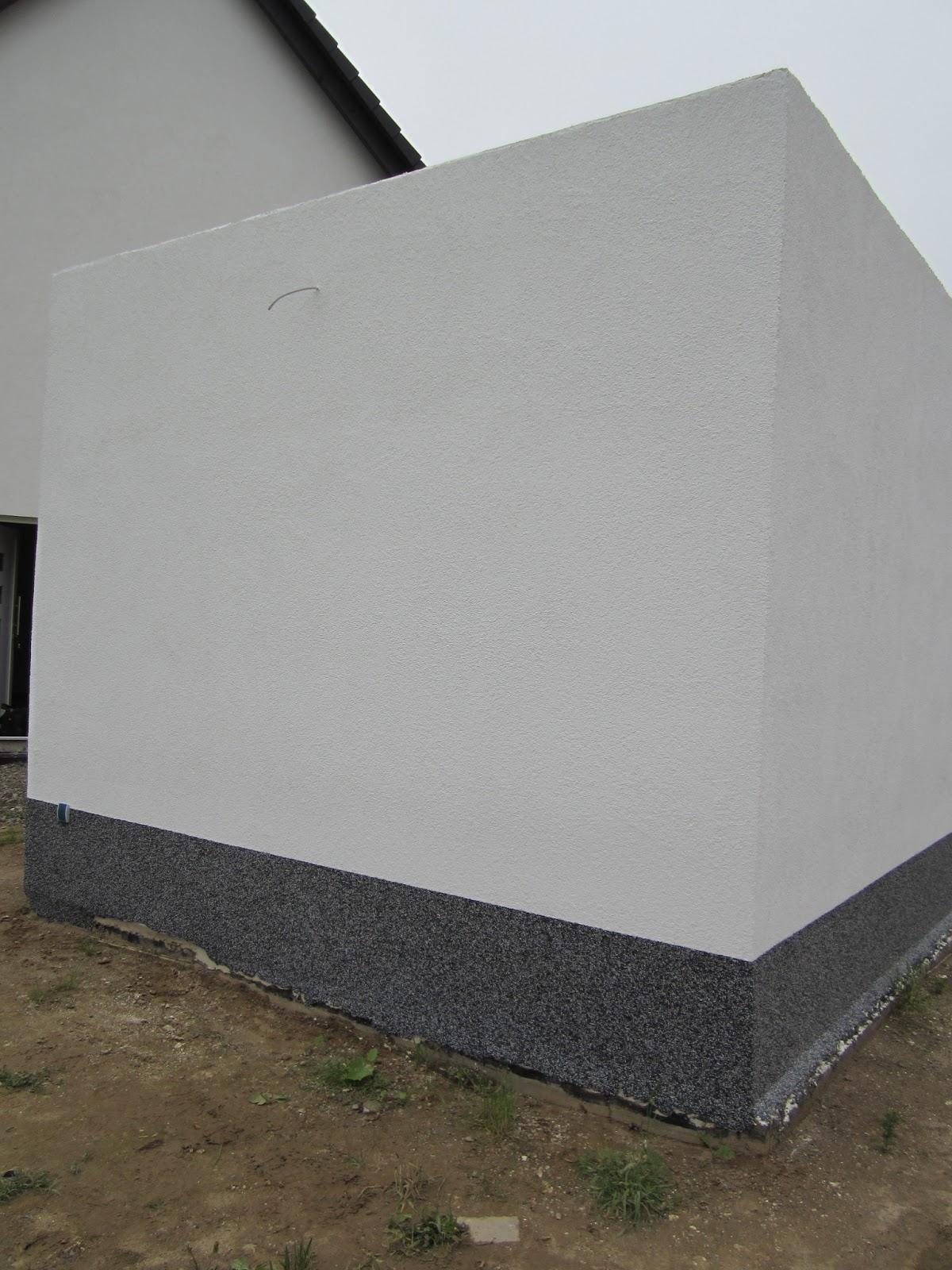 unser hausbau garage in eigenleistung aufbringen des buntsteinputzes auf der r ckseite. Black Bedroom Furniture Sets. Home Design Ideas