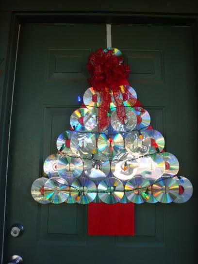 Con Queste Idee Potrete Dargli Una Nuova Vita! Potrete Costruire Un  Bellu0027alberello Di Natale O Una Corona Da Appendere Alla Porta: