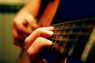 Tips Cara Mudah Bermain Gitar