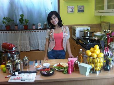 gudangartikelunik.blogspot.com - Foto Foto Seksi Master Chef Marinka Ngangk4ng dipantai[HOT]