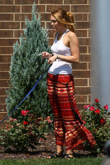 Miley Cyrus – Braless Candids in Orchard Lake