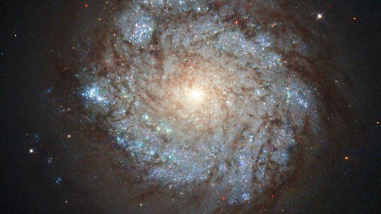 Hubo un choque entre NGC 278 y otra galaxia.