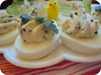 Nadziewane jaja z twarogiem pietruszkowym