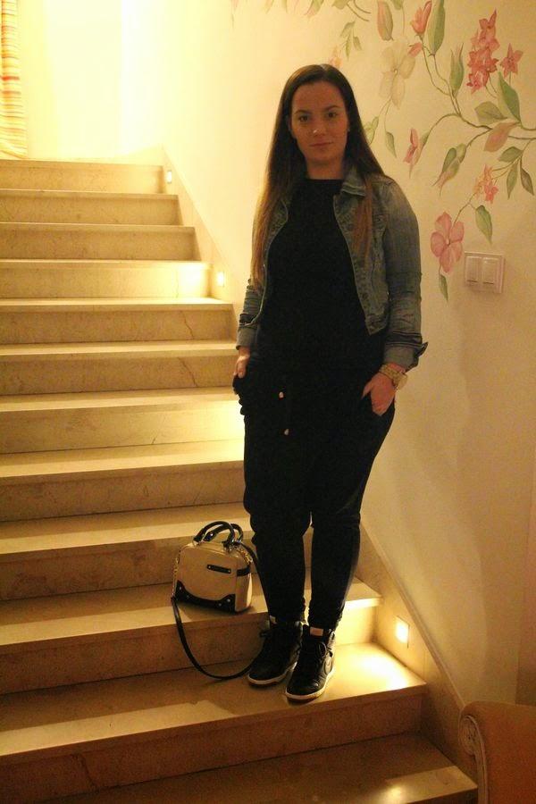 alburnumbybiel stylizacje, sportowa stylizacja z koturnami Nike, njavascript:void(0);ike dunk sky hi, sportowa stylizacja alburnumbybiel, moda alburnumbybiel, ubiór na spotowo , ubiór w dresy i koturny, stylizacja z jeansowa kurtka alburnumbybiel, torebka olivia joy alburnumbybiel, jak sie ubrac na sportowo, stylizacja sportowa elegancja,