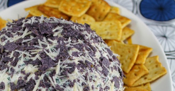 Whatcha Makin' Now?: Spinach-Artichoke Cheese Ball