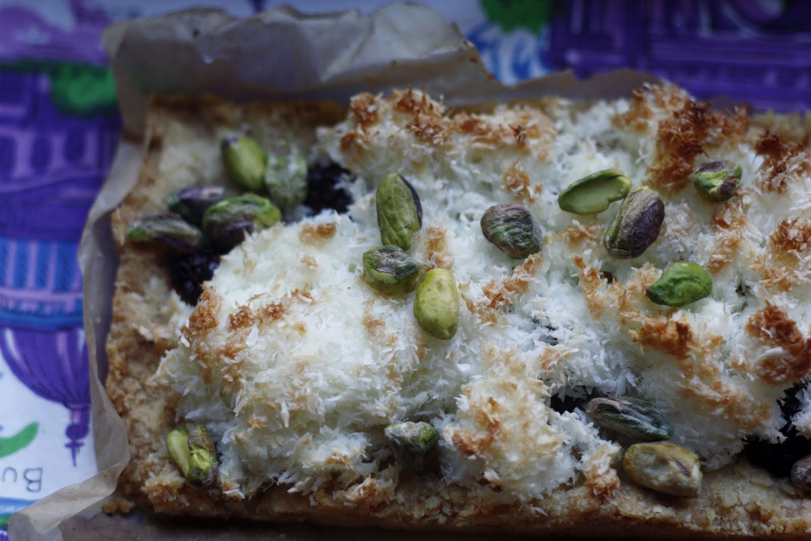 sweet tarte: blackberry macaroon tart